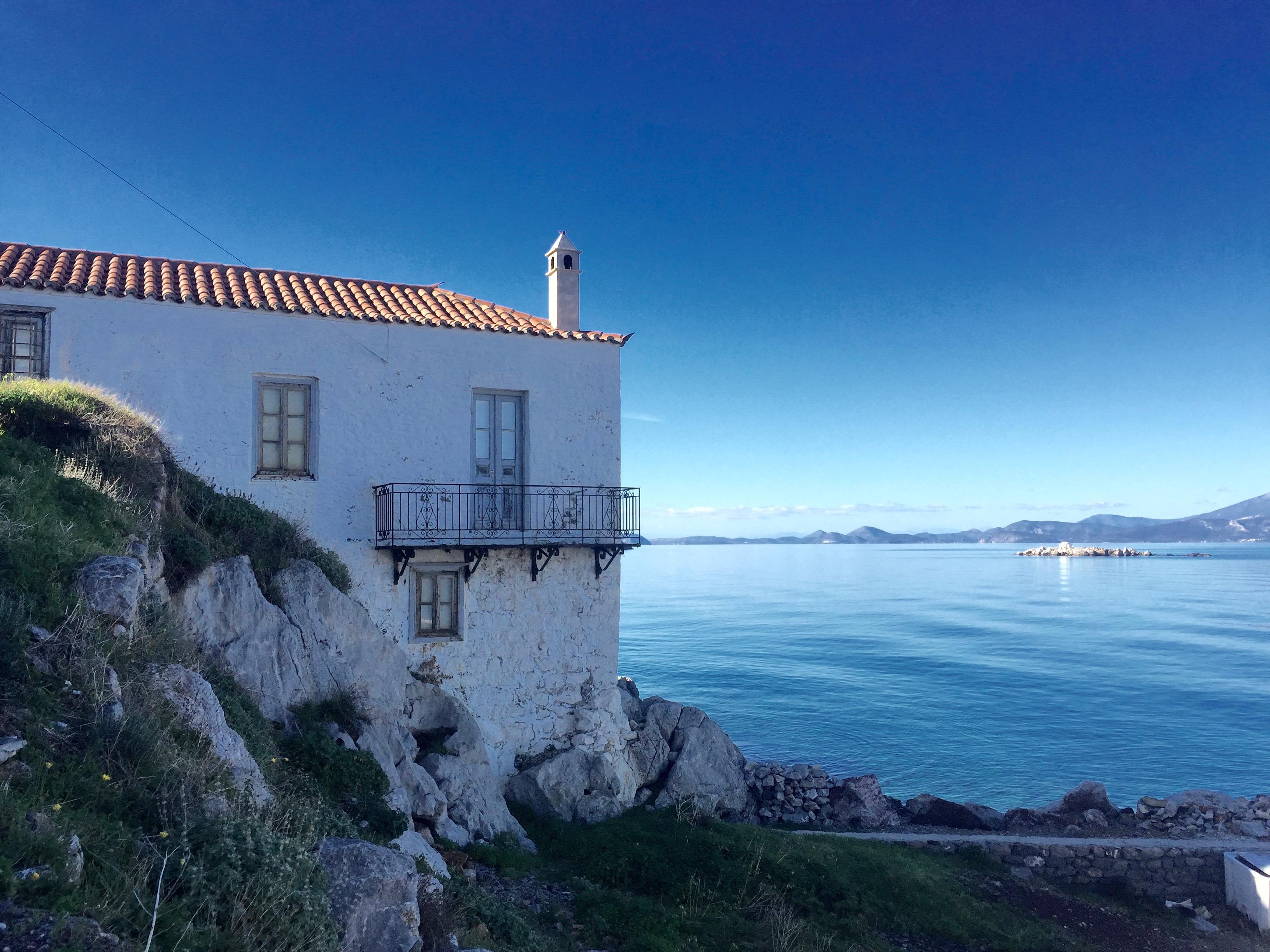 Une maison sur la mer.